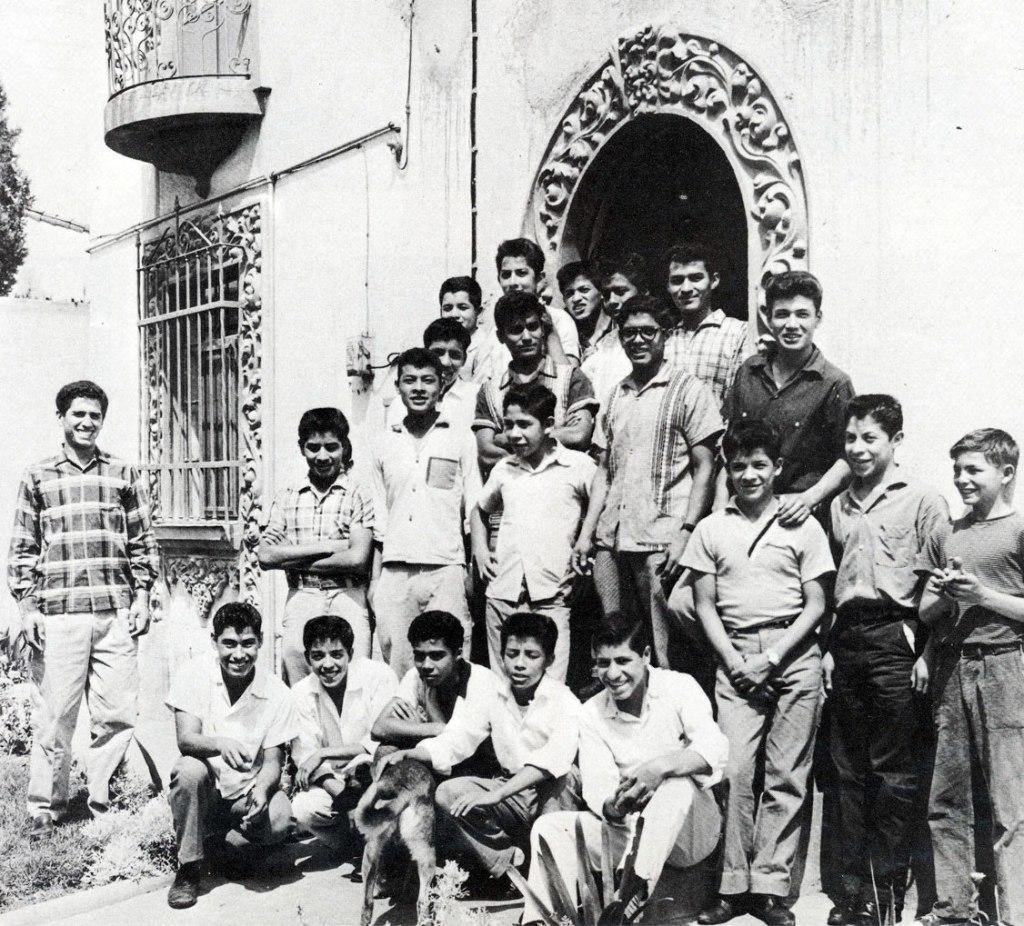 Nuestros Pequeños Hermanos historias exito Mexico
